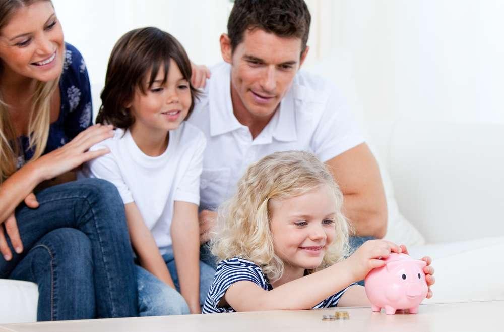 Amener les jeunes à économiser en bas âge.